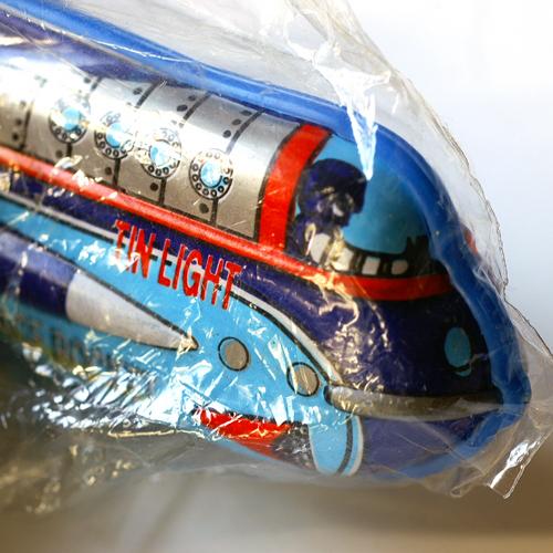 ブリキのライターホルダー・ロケット・ライトブルー