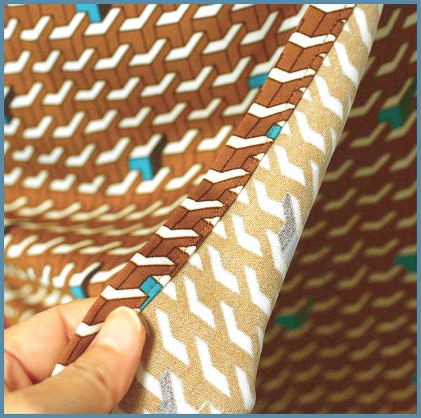 茶色プリント*幾何学模様チュニック
