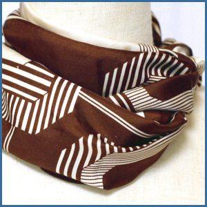 レトロ柄*こげ茶色*絹*長方形スカーフ